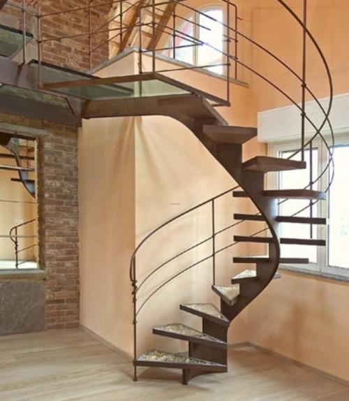 tangga-spiral-minimalis-untuk-menghemat-ruang