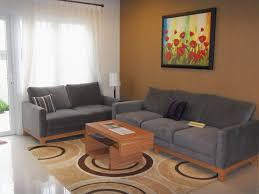 Serasikan Warna Sofa dengan Ruangan Anda