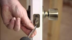 Tips Mengatasi Kunci Pintu Rumah Macet Tiba-tiba
