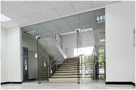Pintu Kaca Bangunan Modern
